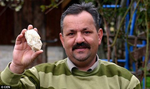 宇宙人に狙われた男6度目の隕石直撃